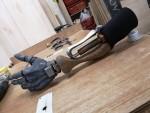 Пользователь воссоздал протез руки из Sekiro: Shadows Die Twice, и он потрясающий